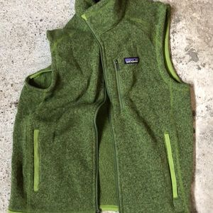 Men's green Patagonia vest medium